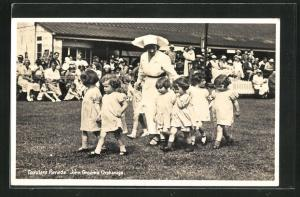 AK John Groom`s Orphanage, Toddler`s Parade, Waisenhaus