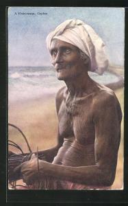 AK Sri Lanka, alter Fischer am Strand, Fischerei