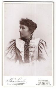 Fotografie Max Lusche, Wunsiedel, Portrait Dame in Bluse