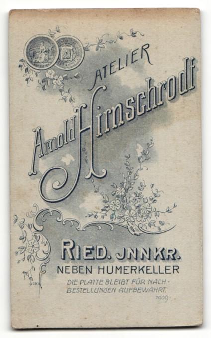 Fotografie Arnold Hirnschrodt, Ried i. Innkreis, Portrait junger Herr im Anzug 1