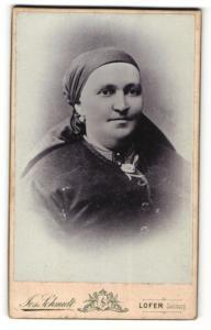 Fotografie Jos. Schmidt, Lofer, Portrait Dame mit Kopftuch