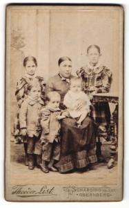 Fotografie Theodor List, Schärding, Portrait Mutter mit ihren Kindern