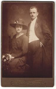 Fotografie M. Scholz, Wien, Portrait Paar in Abendgarderobe