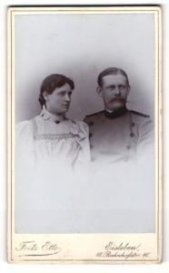 Fotografie Fritz Ette, Eisleben, Portrait Soldat in Uniform mit eleganter Dame