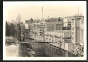Foto-AK Cham, Erweiterung der Papierfabrik 1959, Bauarbeiten vor dem Abschluss
