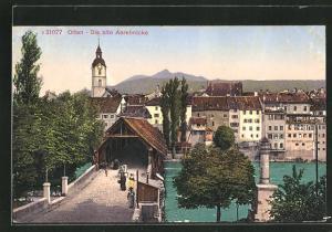 AK Olten, Passanten auf der alten Aarebrücke