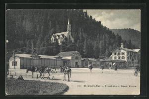 AK St. Moritz, Partie an der Trinkhalle, Blick zur französischen Kirche