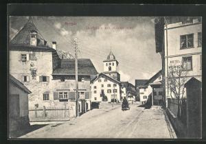 AK Bergün, Hotel weisses Kreuz, Dorfplatz mit Römerturm