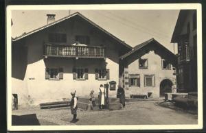 AK Bergün, Ortspartie mit Brunnen