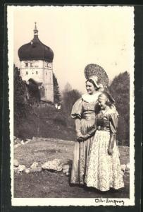 Foto-AK Bregenz, Frau und Mädchen in Tracht