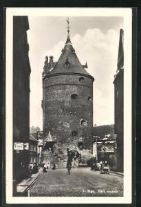 AK Riga, Kara muzejs, Strassenpartie mit Turm