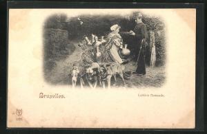 AK Bruxelles, Hundegespann, drei Hunde mit Milchkarren, Laitiere flamande