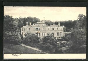 AK Pinhay, Blick von Hügel auf Villa mit Parkanlage