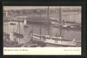 AK Weymouth, Blick auf Segelschiffe und Pier, from the Nothe