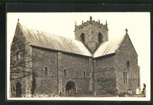AK Stow, Church, Eckfassade und Grabsteine