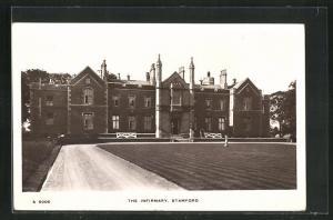 AK Stamford, The Infirmary, Auffahrt mit Gartenanlage
