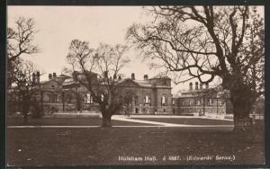 AK Holkham, Hall, Blick von Gartenanlage auf Zufahrten und Fassade