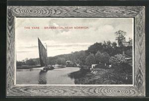 Passepartout-AK Bramerton, The Yare, Blick vom Ufer auf Fluss und Segelboot