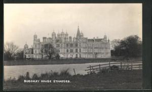 AK Stamford, Burghley House, Blick von Ufer