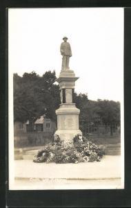 AK Louth, War Memorial