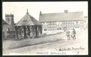 AK Bromley, Abbot's