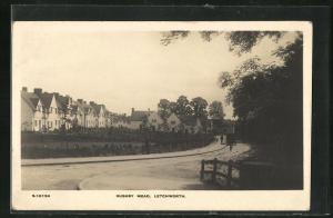 AK Letchworth, Häuser an der Strasse Rushby Mead