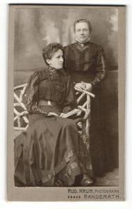 Fotografie Rud. Krum, Randerath, Portrait zwei bürgerliche Damen