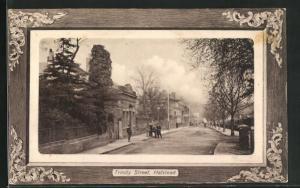 Passepartout-AK Halstead, Trinity Street, Blick von Strasse auf Häuser