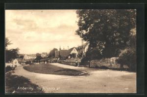 AK Amberley, The Schools & c, Blick auf Häuser an Strassen
