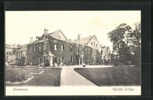 AK Stonehouse, Wycliffe College mit Zufahrt