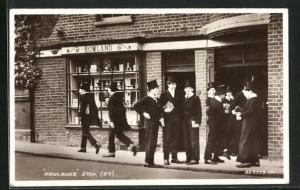 AK Eton, Students in front of Rowlands
