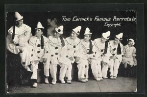 AK Tom Carrick`s Famous Pierrots, Harlekins in Kostümen