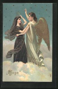 Präge-AK Engel mit junger Frau auf Wolke, Allegorie Hope, goldene Farbe