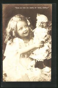 AK Kleines Mädchen spricht mit ihrer Puppe