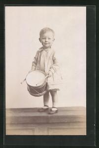 AK Kleines Mädchen mit einer Trommel