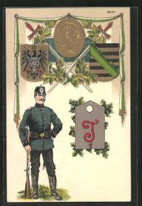 Präge-AK Soldat mit Tschako, Schulterklappe T7, Sachsen-Wappen, Signalkorps, Telegraphen