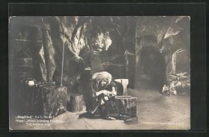 AK Bayreuth, Siegfried, Act I., Scene I., Mime beim Schmieden