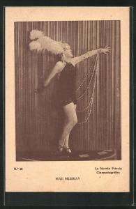 AK Tanz, Mae Murray mit Federschmuck und Perlen auf Bühne