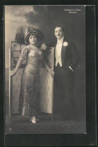 AK Tanz, Debora Duo, Dame vor einem Paravent mit elegantem Herrn