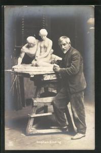 AK Bildhauer Stephan Sinding an seiner Sculptur