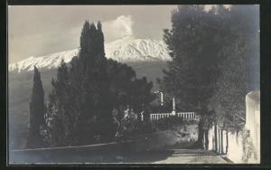 Foto-AK Taormina, Blick auf Vulkan