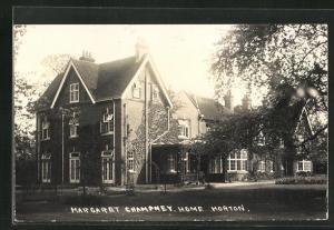 AK Horton, Margaret Champney, Home, Fassade mit Garten
