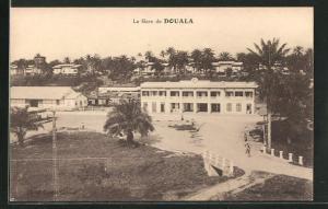 AK Douala, La Gare, Blick zum Bahnhof