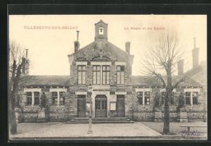 AK Villeneuve-sur-Bellot, La Mairie et les Ecoles