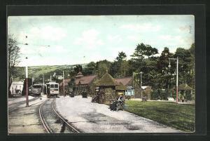AK Laxey, Electric Station, Strassenbahnen und Häuser