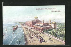 AK Venezia-Lido, Excelsior Palace Hotel, Strandpartie mit Seebrücke aus der Vogelschau