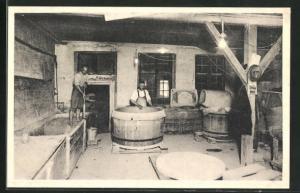 AK Holmegaards Glasvoerk, Fabrikation af Smeltedigler, Glasarbeiter in der Fabrik