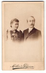 Fotografie Müller & Pilgram, Halle / Saale, Portrait eines jungen Paares