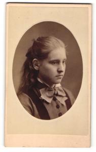 Fotografie Southsea Portrait Gallery, Ort unbekannt, Portrait Mädchen mit Halstuch