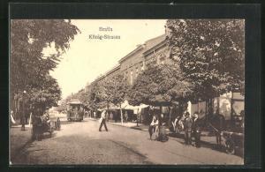 AK Braila, Strassenbahn und Anwohner in der Königstrasse